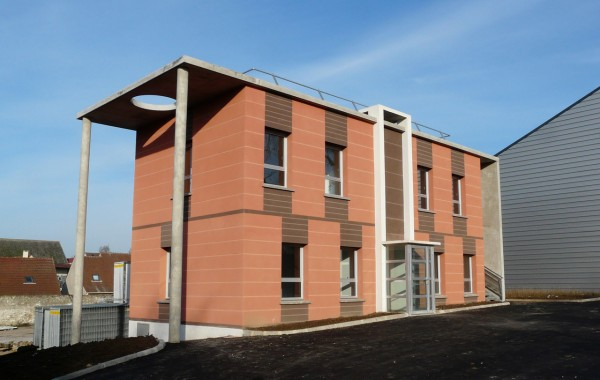 Bâtiment de bureaux et d'entrepôt Mesnil-Amelot (77)
